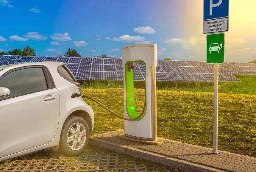 Elektroauto kaufen – Neuwagen leasen oder doch besser kaufen?